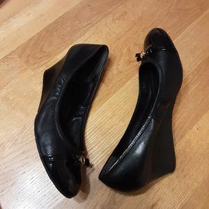 Cole haan Women's Cap toe Wedge pump Size 8M